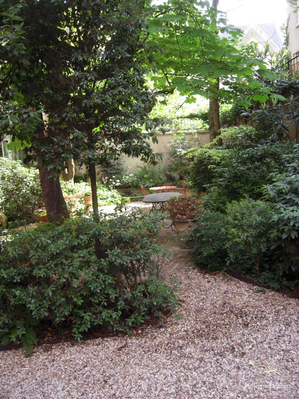 petit jardin de ville philippe dubreuil jardiniste architecte paysagiste. Black Bedroom Furniture Sets. Home Design Ideas